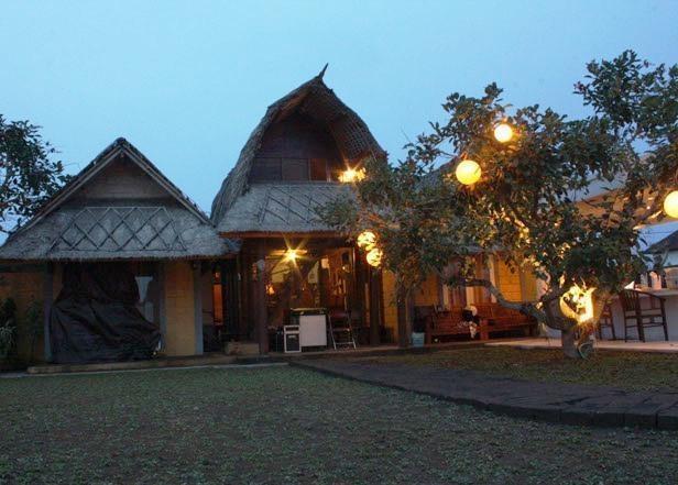 Premier Surf Camp Bali - (09/Dec/2013)