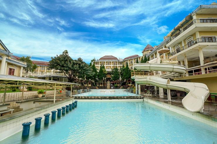OYO 395 Tretes Raya Hotel Pasuruan - Pool