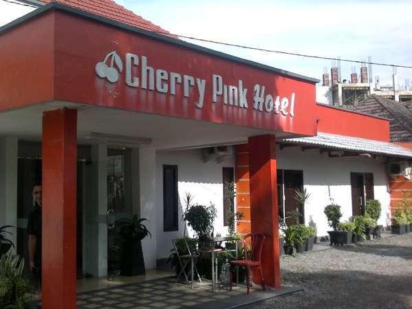 Cherry Pink Hotel Medan - Tampak Luar