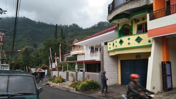 Villa Salma Malang - Facade