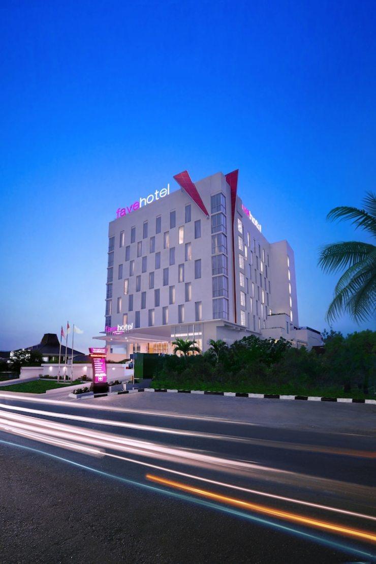 fave hotel Palembang - Hotel Front
