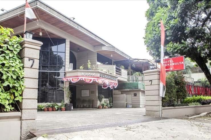RedDoorz Plus @ Sukamulya Pasteur 2 - Front of Property