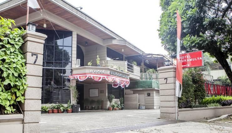 RedDoorz Plus @ Sukamulya Pasteur 2 - Exterior