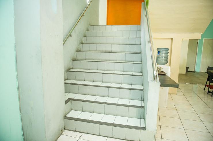 Airy Eco Syariah Solo Baru Sukoharjo Soekarno 20 - Stair