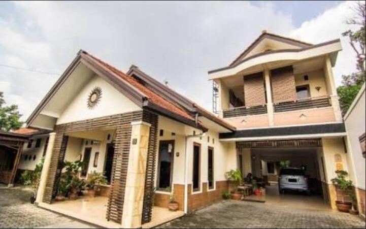 Adalia Homestay Semarang - apppearence