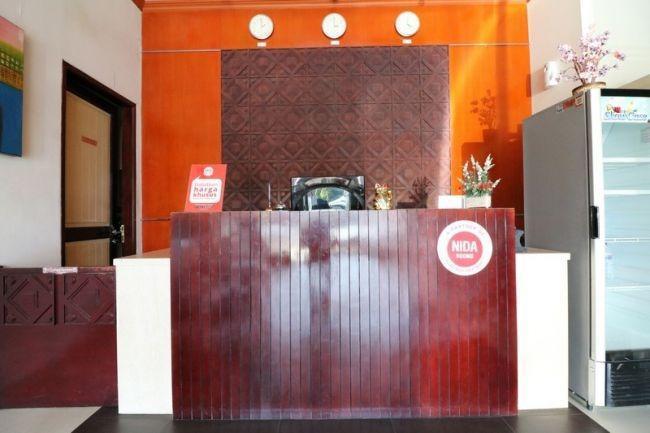 NIDA Rooms Nusantara Baru Makassar - Resepsionis