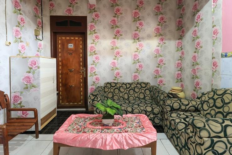 Dharmawati Homestay Surabaya - Lobby
