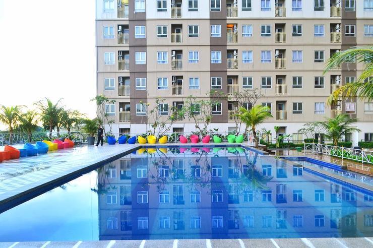 Titanium Express HomTel Jakarta - Pool