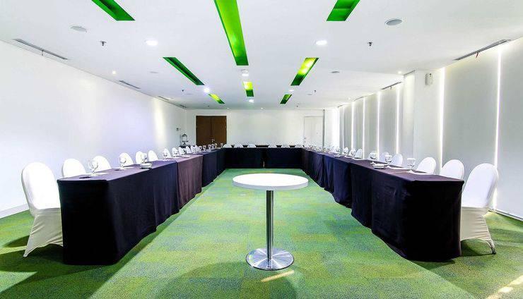 ZEN Premium Pancoran Jakarta - Ruang Rapat