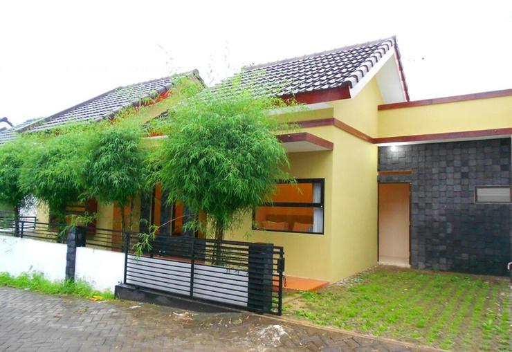 Villa 2 Bedrooms Near Museum Angkut No. 5 Malang - Exterior