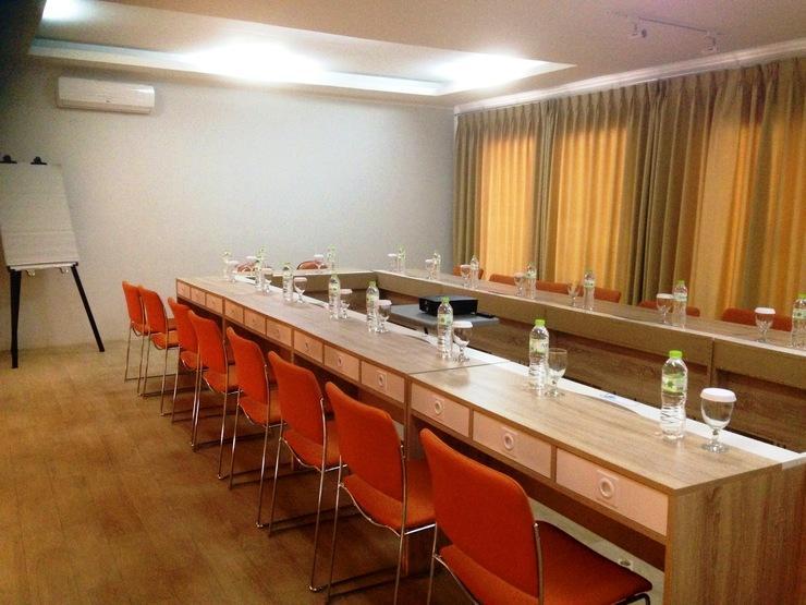 Accordia Dago Hotel Bandung - Meeting Room