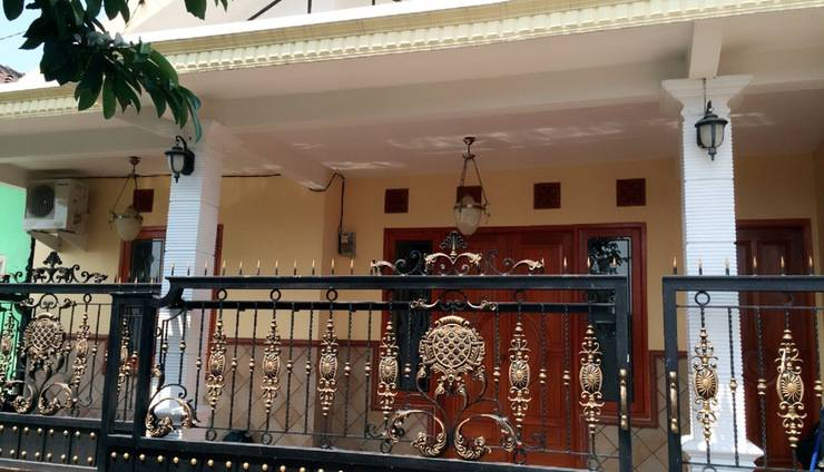Adjimulyoto Homestay Malang - Tampak Depan AdjiMulyoto Homestay