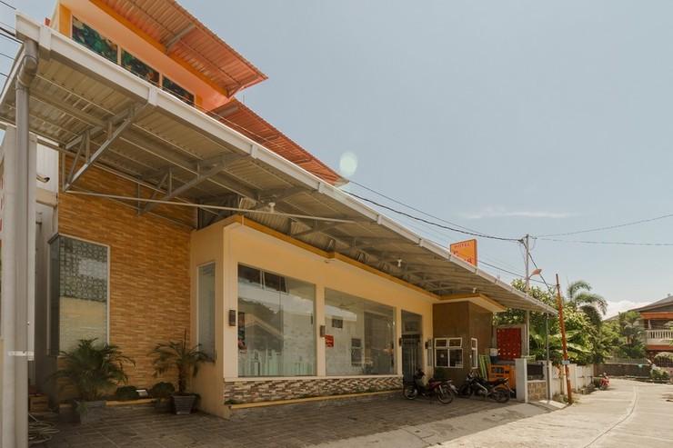 RedDoorz near Jembatan Siti Nurbaya Padang Padang - Photo