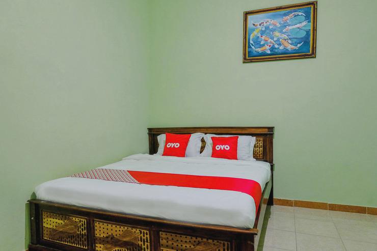OYO 1689 Sumber Urip Family Homestay Syariah Malang - Guestroom S/D