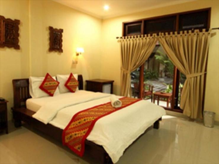 Surfaris Inn on Poppies 2 Bali - Bedroom