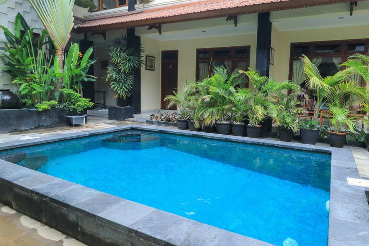 Surfaris Inn on Poppies 2 Bali - pool