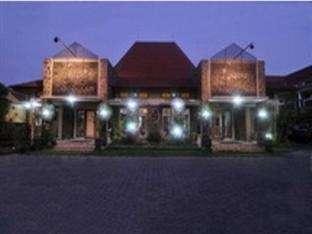 Lava Lava Hotel Probolinggo - Tampak Luar