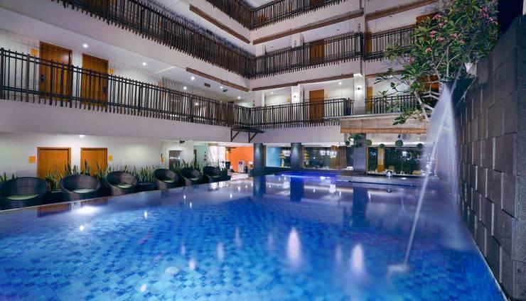 Sun Royal Hotel Kuta - Pool
