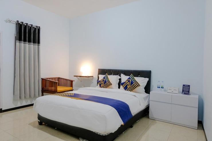 SPOT ON 1687 Griya Harmony Family Syariah Malang - Bedroom