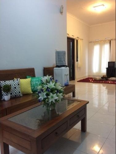 Villa Anggrek 5 Malang - Room