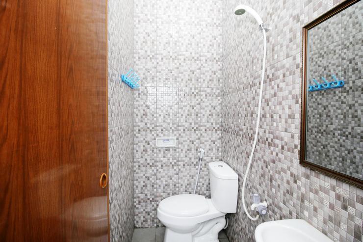 Airy Eco Syariah Pasar Kemis Raya Ruko Kutajaya Tangerang - Bathroom