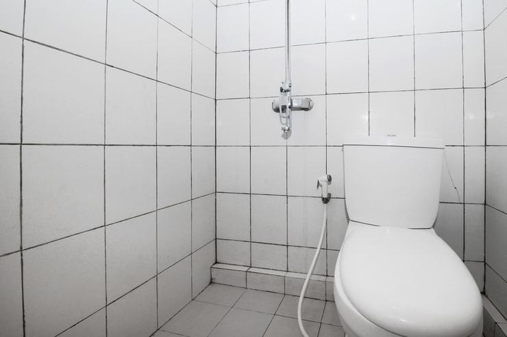 Airy Bangunharjo Parangtritis KM 4 Desa Saman Dua Yogyakarta - Bathroom Standard