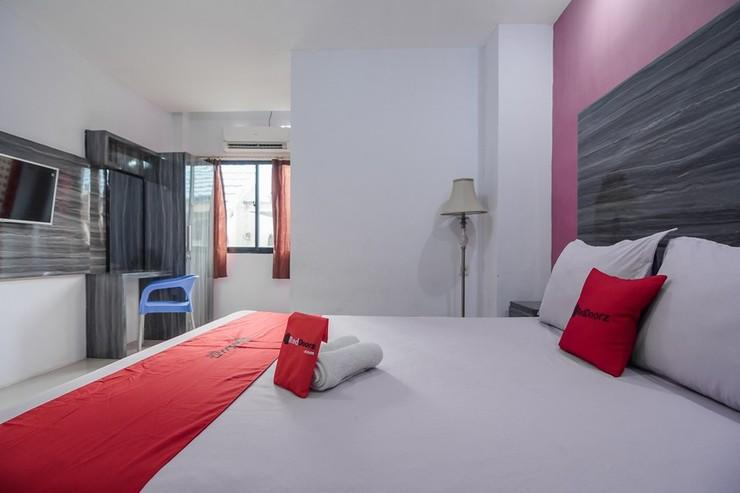 RedDoorz near Taman Murjani Banjarmasin - Guestroom