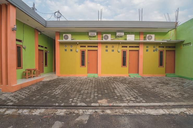 RedDoorz Syariah @ Pembangunan Street Cirebon - Photo