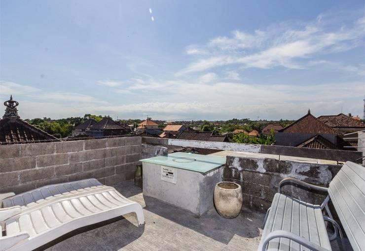 RedDoorz @Pengubugan Kerobokan Bali - Balkon