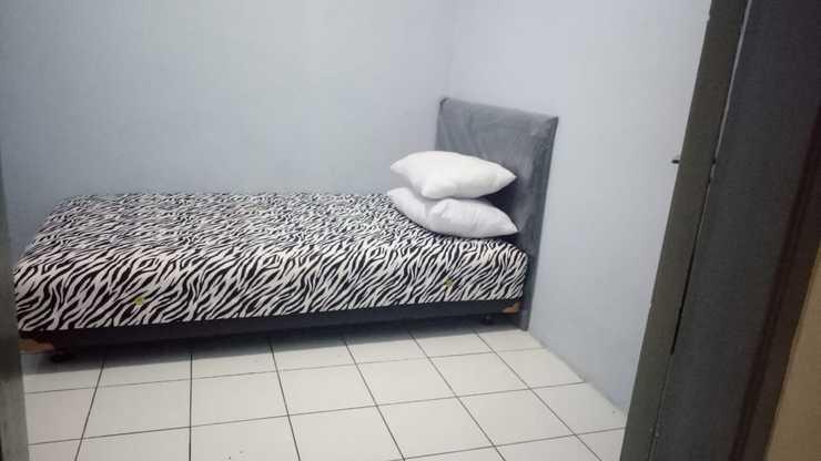 Sutanto Guest House Bandung - Bedroom
