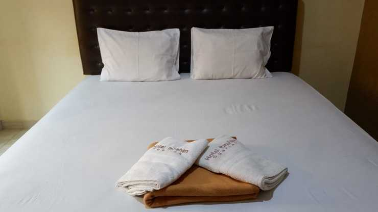 Hotel Ibrahim Syariah Semarang Semarang - Deluxe Room