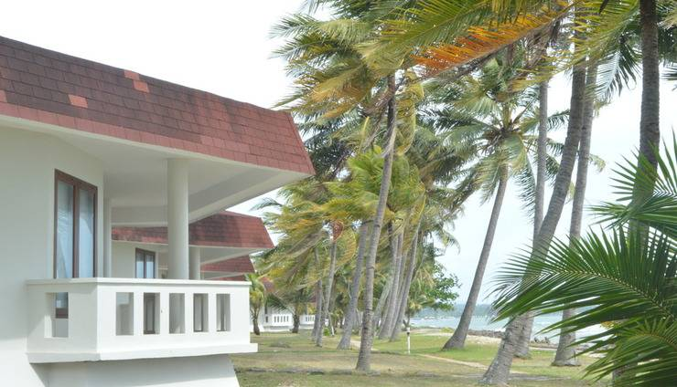 Patra Comfort Anyer - Deluxe Suite Cottages