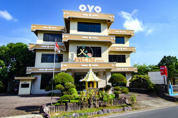 OYO 865 Halim Hotel Tanjung Pinang - Facade