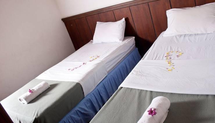 Berlian Resort Bogor - tempat tidur Twin