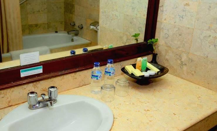 Grand Legi Lombok - Bathroom