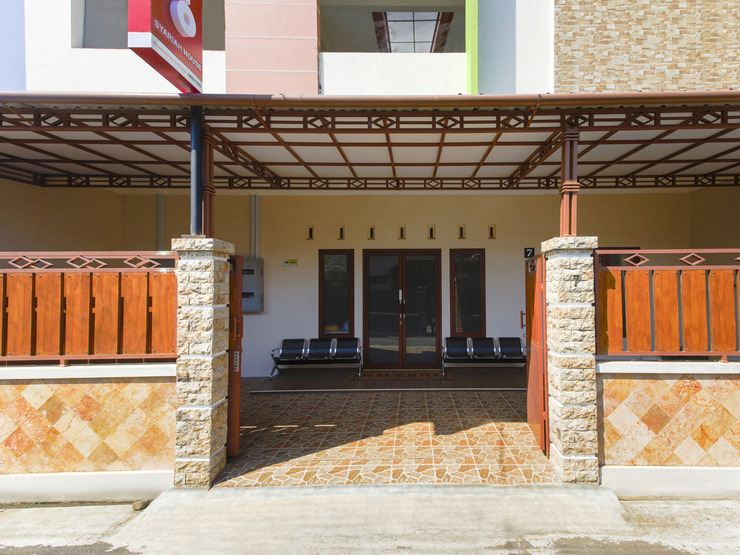 OYO 3314 Syariah House Banyumas - Facade