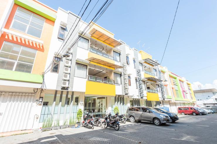 Airy Syariah Klojen Pasar Besar Square 124 Malang - Hotel Front