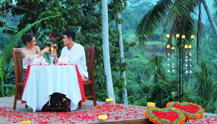 Ashoka Tree Resort at Tanggayuda Bali - Candle light dinner
