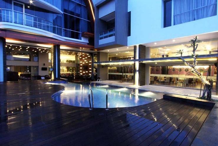 Aston Jambi Hotel Jambi - Kolam Renang