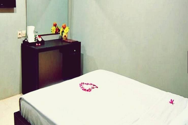 Mahkota Hotel Genteng Banyuwangi - Kamar Tamu