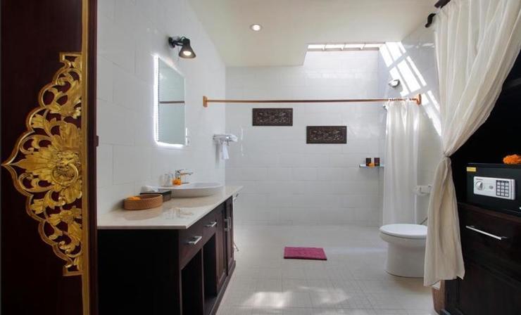 Graha Madesimon Bali - Bathroom