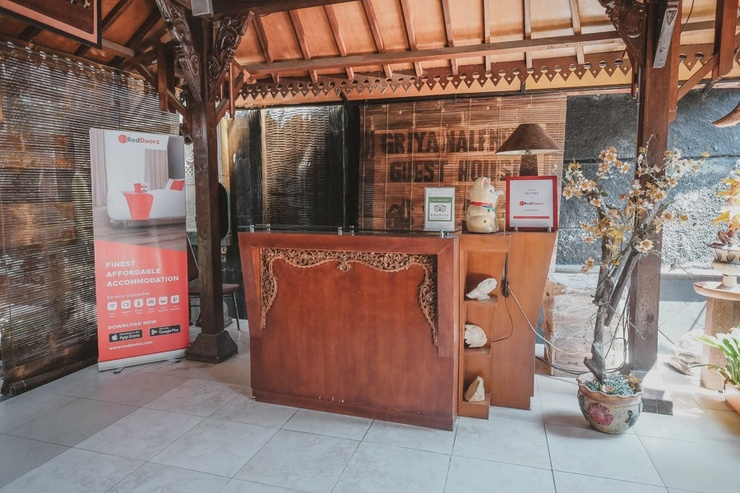 RedDoorz near Galeria Mall 2 Yogyakarta - Resepsionis