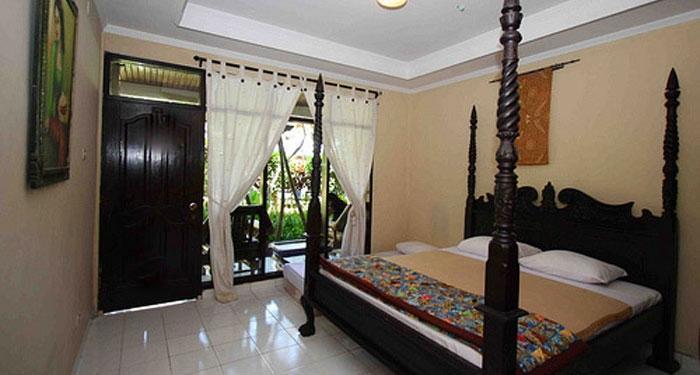 Adirama Beach Hotel Bali - Kamar Superior. Tempat tidur King