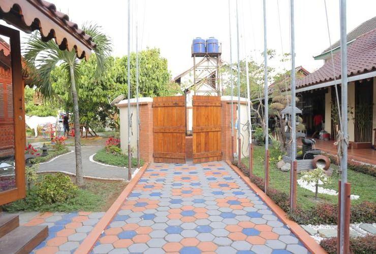 Dem Ayem Heritage Guest House Yogyakarta - Exterior