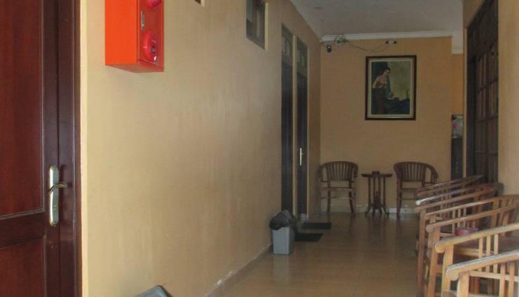 Gloria Amanda Hotel Yogyakarta - koridor