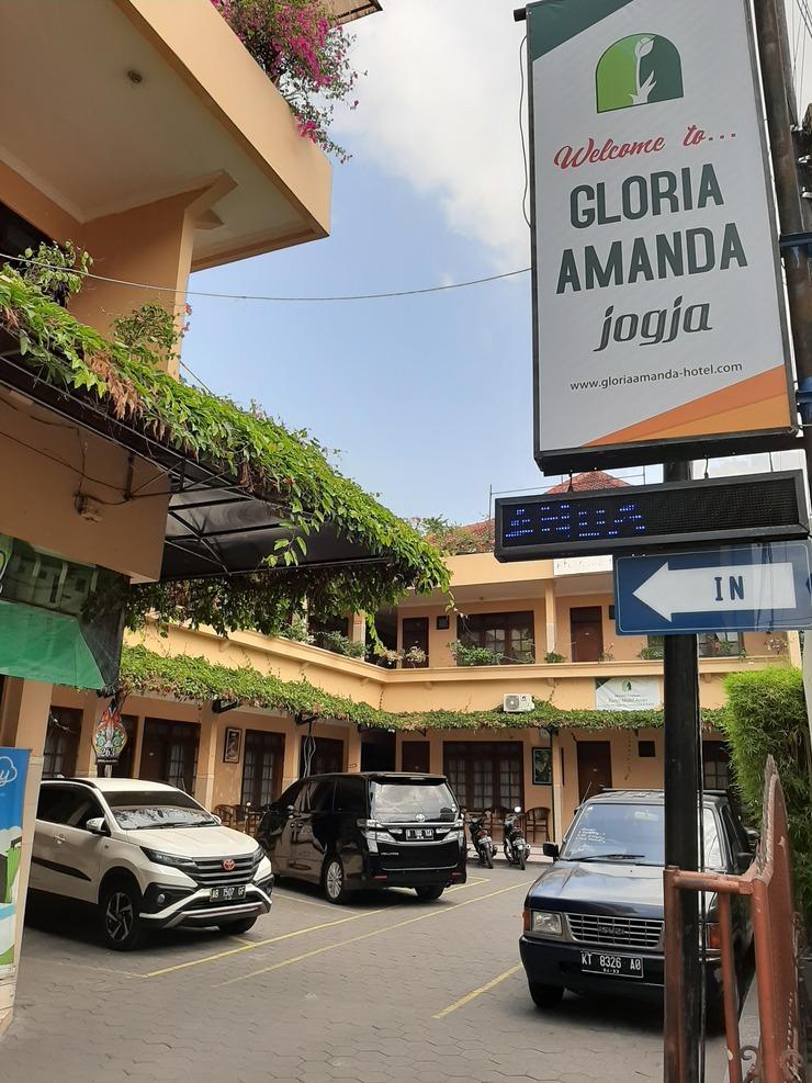 Gloria Amanda Hotel Yogyakarta - Exterior