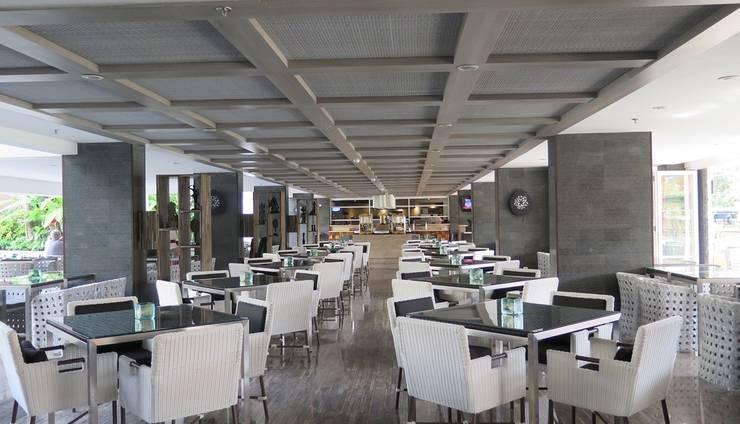 Swiss-Belresort Watu Jimbar - Swiss Cafe