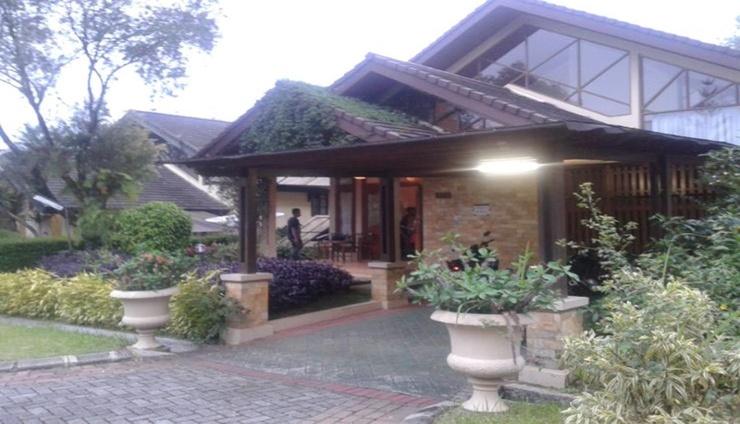 Santibi's Villa Kota Bunga Swiss Cianjur - Facade