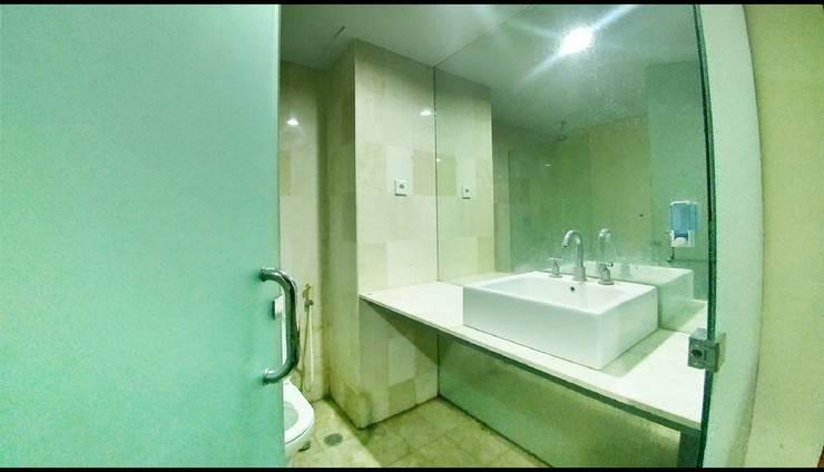 Quint Hotel Manado - Bathroom