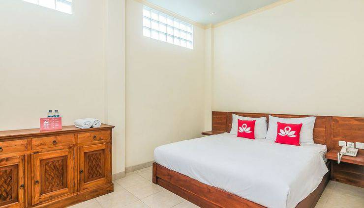 ZenRooms Denpasar ByPass Suwung Bali - Tempat Tidur Double